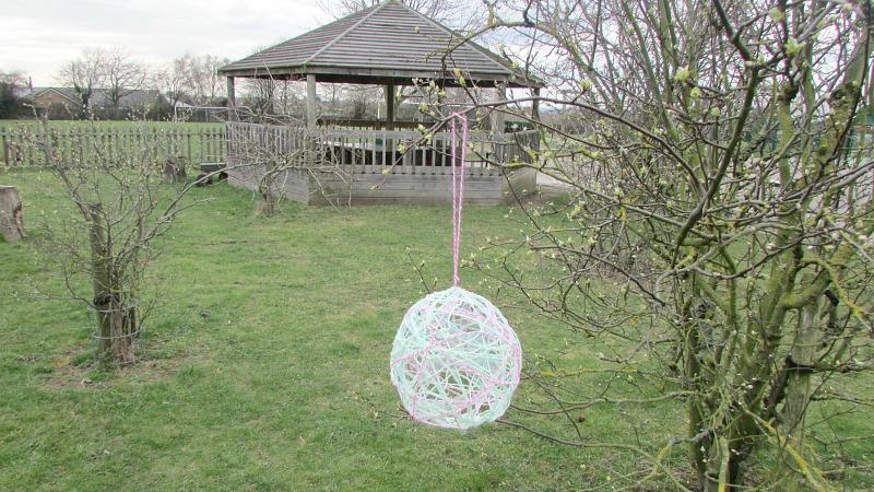 Easter wool balloon